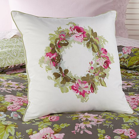 anna-griffin-camilla-decorative-wreath-cotton-pillow-d-20150925170007817-430965