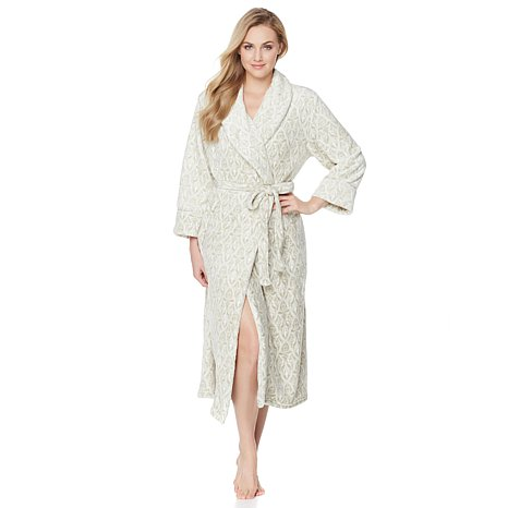 anna-griffin-plush-robe-d-20151012105734727-428548_302