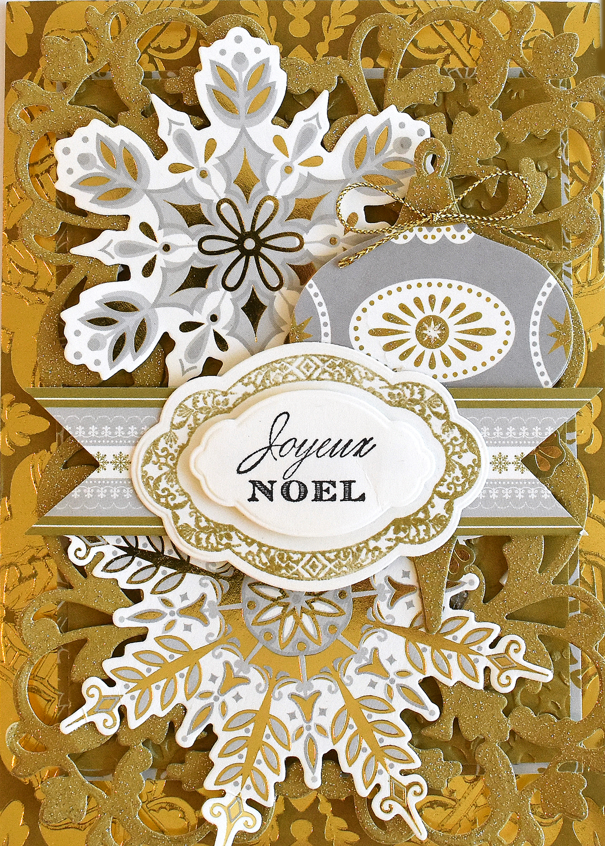 Anna Griffin Holiday Festive Flourish Cut and Emboss Die Cut Card Making